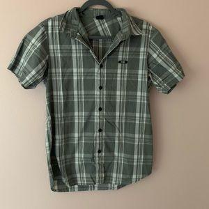 50% off bundles! Oakley button front shirt